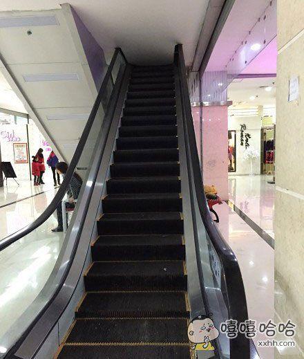 商场里发现的电梯,感觉找到了通往霍格沃茨的大门。