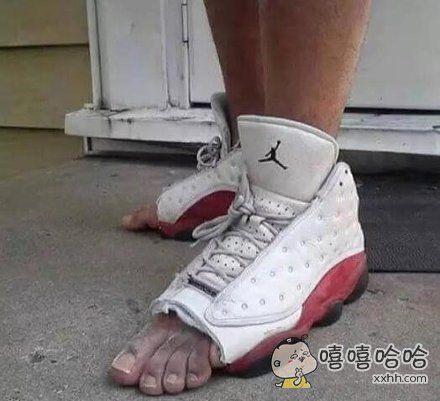 其它鞋都弱爆了,这才是今年最新款