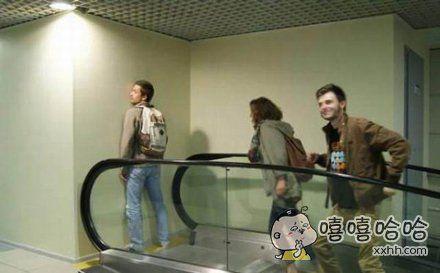 电梯通向哪里?