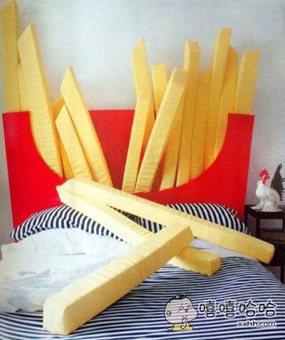 以后结婚了就买这个床,睡不着的时候还可以打架。