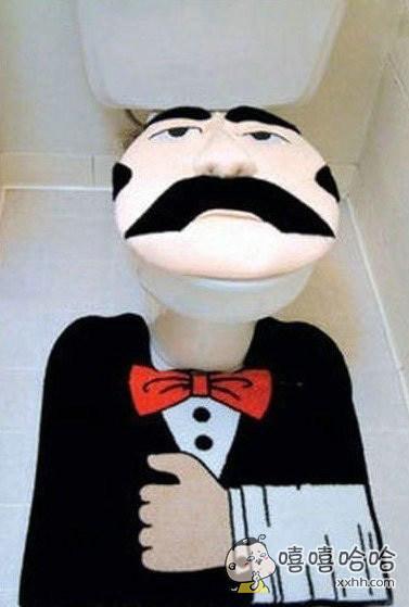 这样的厕所是不是有点吓人?