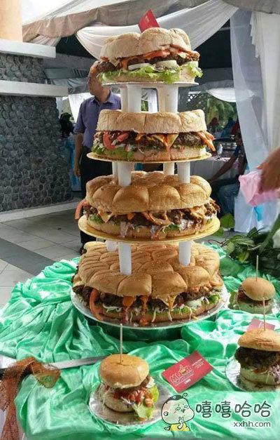 一外国网友今天参加朋友的婚礼,看到这个所谓的蛋糕表示看醉了。。。