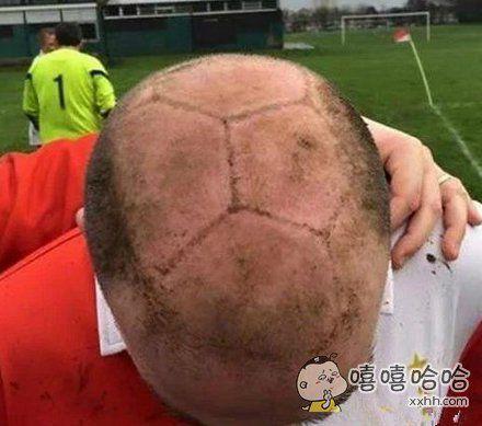 骚年为了赢球,发型也是拼了!