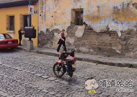 消失的摩托车