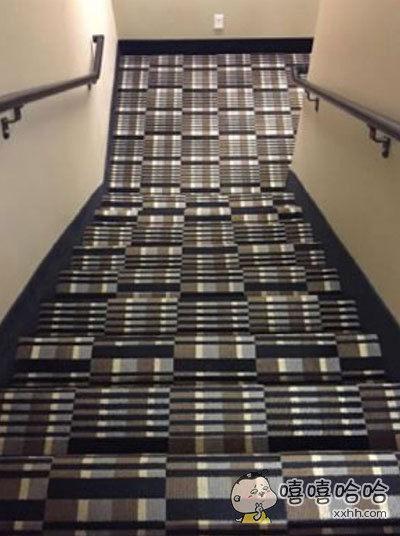 朋友拍的他们公司不怀好意的楼梯。。
