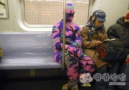 地铁上看见的。。。