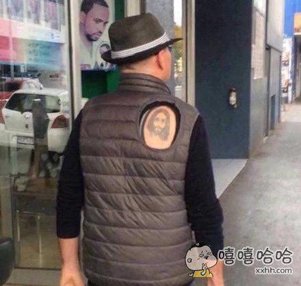 必须让人知道我有纹身