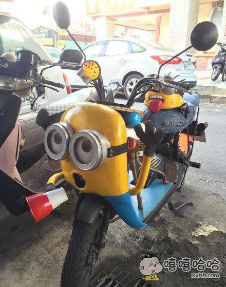 网友改装的摩托车,还有同款头盔