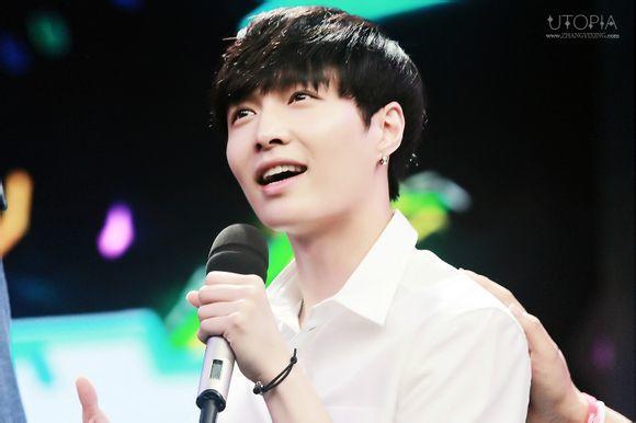 【浅陌】exo丨黑发+素颜+白衬衫=我们的小骄傲