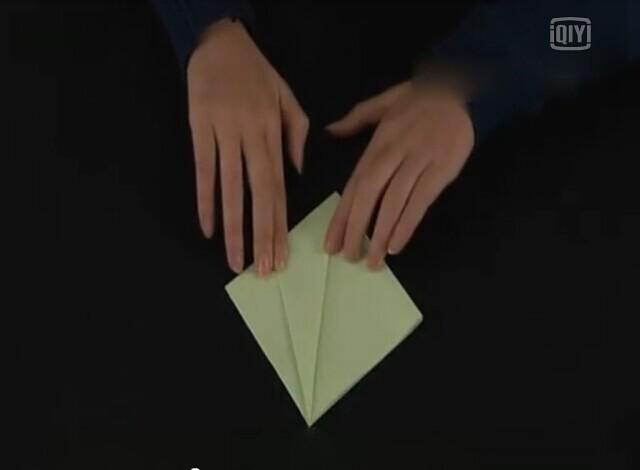 用一张正方形纸折纸花图解