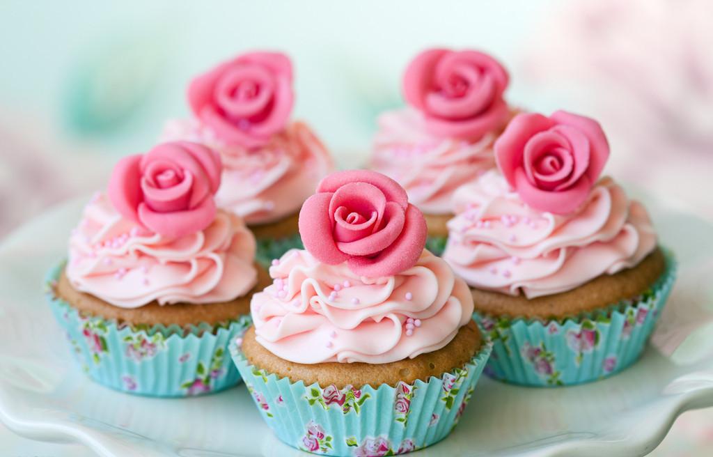 可爱玫瑰花纸杯蛋糕pk